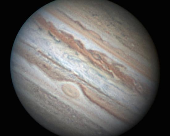 O astrofotógrafo costuma fazer suas imagens por hobby, pelo fascínio do céu e seus objetos, aproveitando os horários de lazer. E quem gosta do céu, gosta de ciência! E por que não contribuir para com ela?, pergunta Fábio.