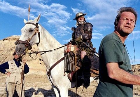 O <i>Homem que matou Dom Quixote</i> poderia ser chamado de filme mais azarado do mundo. Condições climáticas destruíram o equipamento, atores adoeceram e vários outros problemas fizeram com que a produção se arrastasse por mais de uma década. O filme não saiu, mas o filme sobre o filme já ficou pronto: é <i>Lost in La Mancha</i>, um documentário lançado em 2002.
