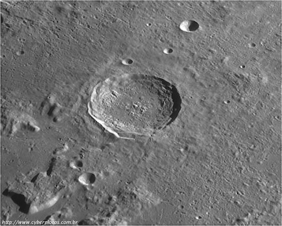 As imagens coletadas pelos astrofotógrafos planetários são uma importante fonte de dados para as pesquisas astronômicas. Por isso, uma parceria surgiu entre eles e os astrônomos. Adoramos mostrar nossas fotos e ajudar no desenvolvimento da ciência, conta Gabriela.