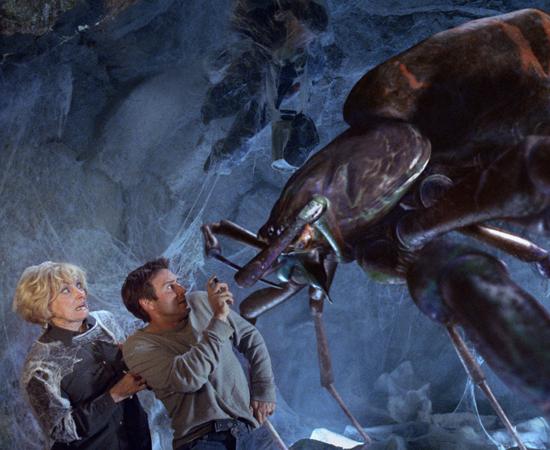 Malditas Aranhas é uma comédia de 2002, dirigida por Ellory Elkayem. A história é sobre aranhas radioativas geneticamente modificadas que atacam moradores de uma pequena cidade dos EUA.