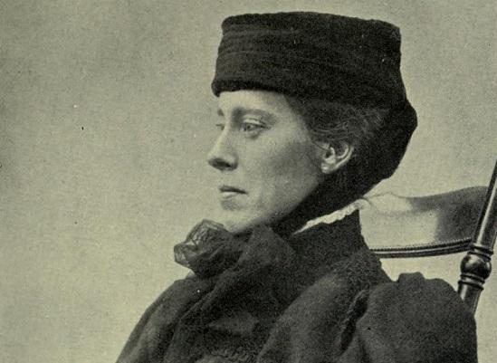 Mary Kingsley passou a vida escrevendo e viajando. Os trabalhos dela tiveram um tremendo impacto na forma como a sociedade europeia enxergava a África e o imperialismo britânico.
