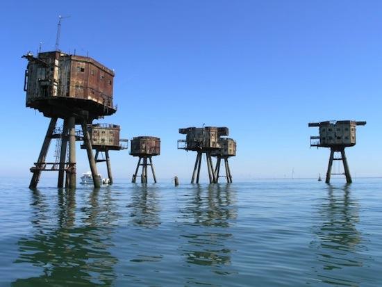 Maunsell Forts, litoral norte da Inglaterra. Construídas pela Marinha Britânica para a Segunda Guerra Mundial.