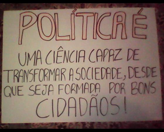 #minhapolitica Nani Manica, integrante da Liga SUPERextraordinária, no Facebook