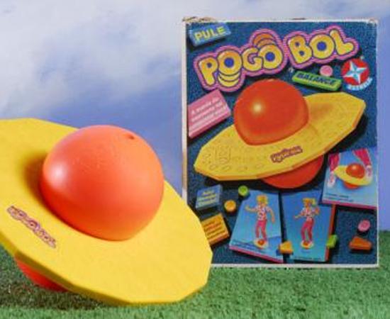 A molecada irritava os adultos com o Pogobol, brinquedo febre do ano. Foram 400 mil unidades vendidas.