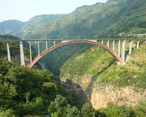 11. Beipanjiang River Railway Bridge. Inaugurada em 2001, esta ponte tem 275 metros de altura e fica em Guizhou, na China. É a ponte ferroviária mais alta do mundo.