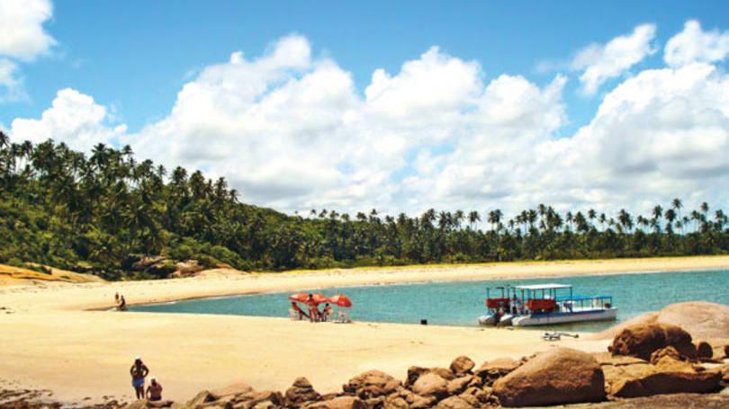 7 - Praia dos Carneiros