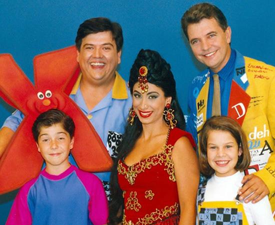 X-Tudo (1992) é um programa de TV de variedades para crianças. Tornou-se um grande sucesso.
