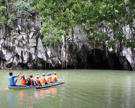 Outro Parque Nacional da lista é o Puerto Princesa, nas Filipinas. Ali fica um rio subterrâneo. Recentemente cientistas descobriram que dentro da caverna do Puerto Princesa ficam várias cachoeiras.