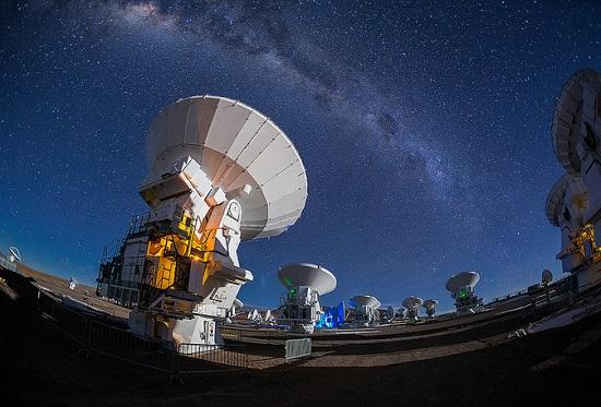 A organização do ALMA gostou do trabalho, o que rendeu novos convites. Adhemar passou a dar aulas de astrofotografia de paisagem para os funcionários do observatório, técnicos, engenheiros e até astrônomos.