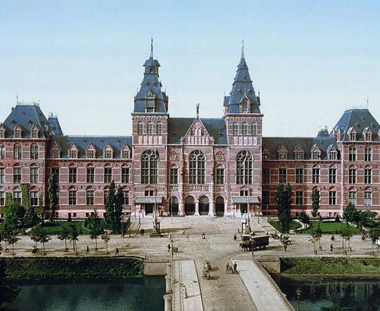 BIBLIOTECA DO RIJKSMUSEUM - Está situada no maior museu de história da arte de Amsterdã, nos Paises Baixos. Possui mais de 200 mil volumes.