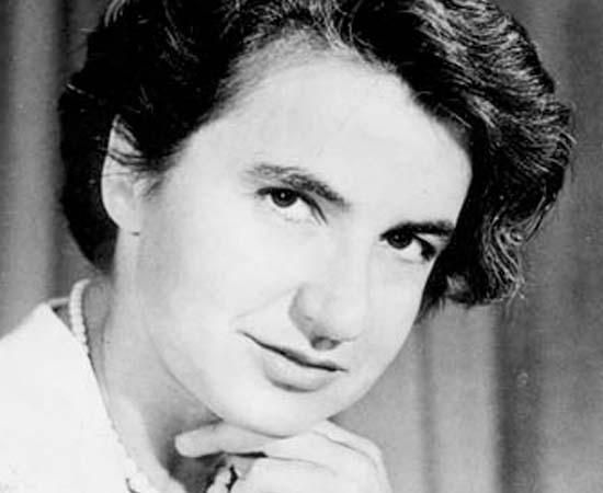 Rosalind Franklin (1920 - 1958) - Biofísica britânica que foi pioneira em pesquisas de biologia molecular. Ficou conhecida por seu trabalho sobre a difração dos Raios-X; descobriu o formato helicoidal do DNA.