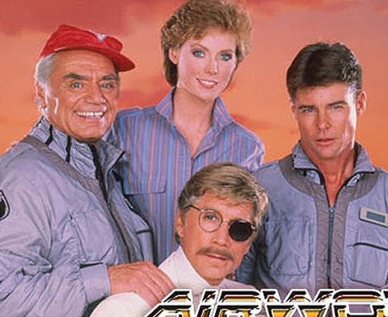 Águia de Fogo (1984) é uma série sobre um grupo de amigos que usa um helicóptero para combater o crime.