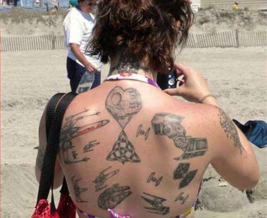 Tatuar uma referência a Star Wars não é suficiente? Tatue todas!