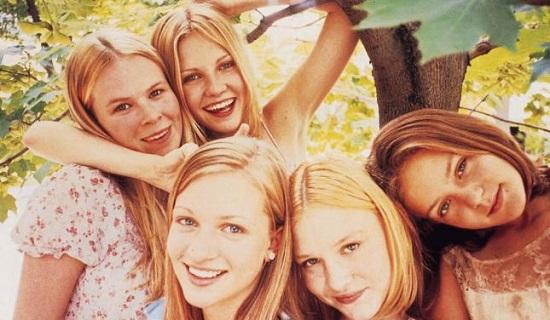 Em <i>As Virgens Suicidas</i>, filme de Sofia Coppola lançado em 1999, a família Lisbon é conservadora e repressora, para o azar das cinco filhas do casal.
