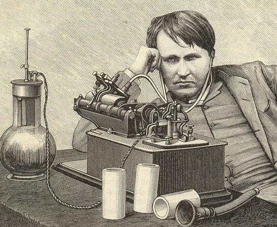 SURDEZ - Thomas Edison tornou-se surdo durante a adolescência. Há várias teorias que tentam explicar como ele adquiriu essa deficiência. É certo que ele passou por vários problemas de saúde relacionados ao sistema auditivo quando era criança, mas há quem diga que o cientista ficou surdo por causa de um puxão de orelha ou por ter levado muitas pancadas de um chefe estressado. Apesar da dificuldade, Edison era muito ativo.  Além de fazer experiências científicas, ele trabalhava como operador de telégrafo.