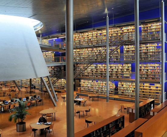 BIBLIOTECA DA UNIVERSIDADE DE TECNOLOGIA DELFT - Construído em 1997, é um exemplo de edifício sustentável. Está localizada no oeste dos Países Baixos.