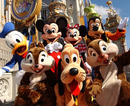 VIAGEM À DISNEY - Quem nunca sonhou em conhecer pessoalmente o Mickey, o Pato Donald, o Pateta, as princesas, e explorar cada centímetro do Walt Disney World?! O problema é que, na maioria das vezes, os pais não tinham condições financeiras de bancar uma viagem internacional.