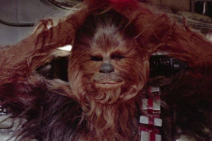 Chewbacca-fala-inglês-em-cena-cortada-de-star-wars