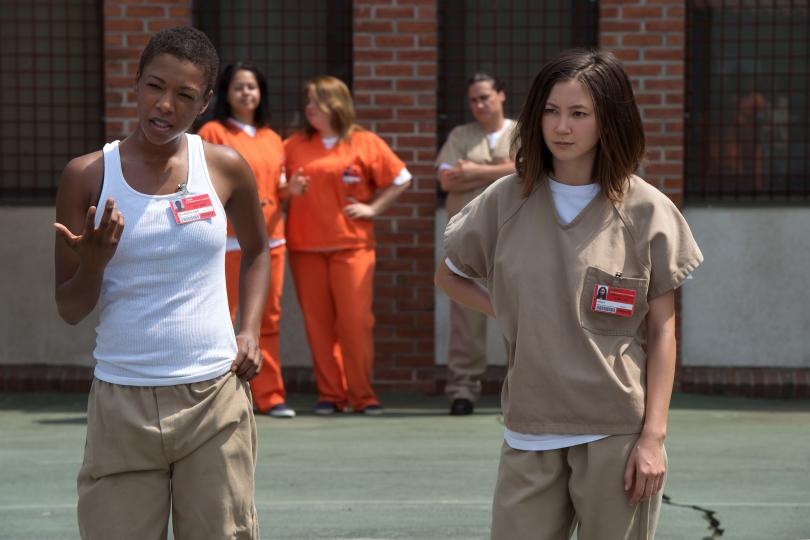 "Poussey e Brook, personagens de ""Orange is the new black"""