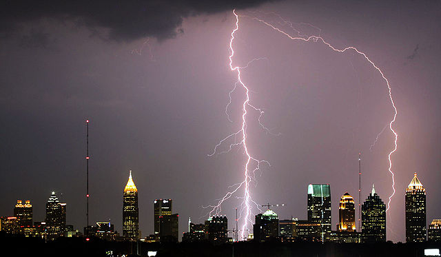 640px-Atlanta_Lightning_Strike_edit1