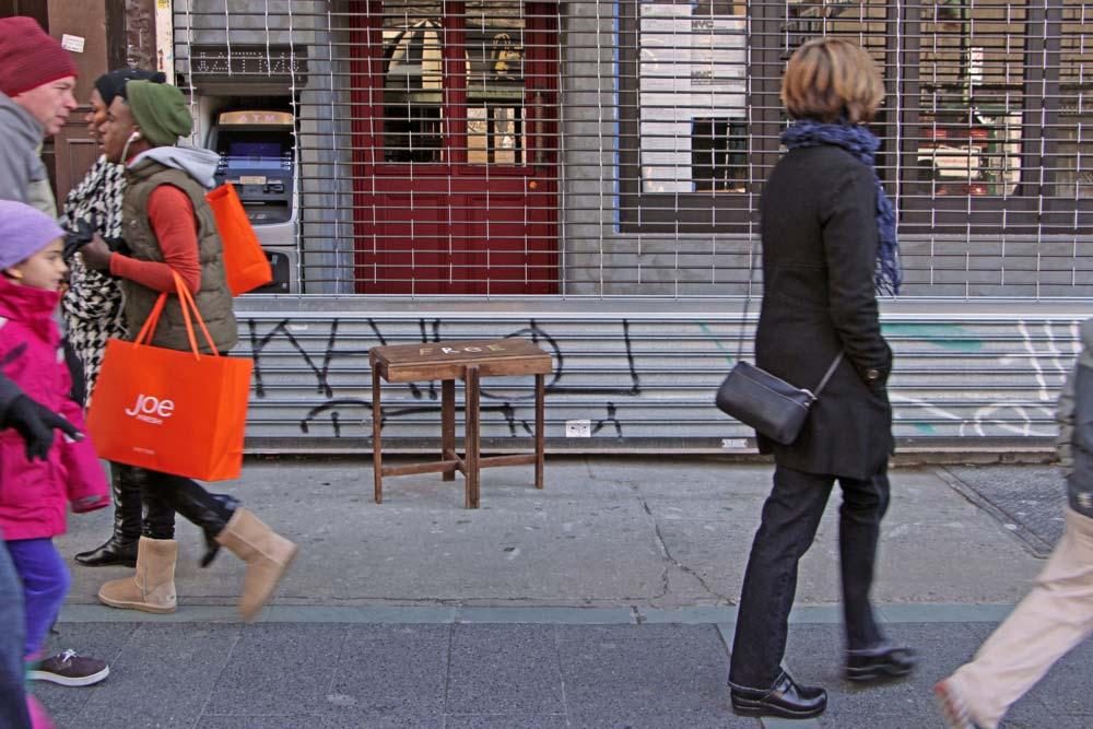 designer-reforma-distribui-moveis-descartados-gratidao-nova-york10
