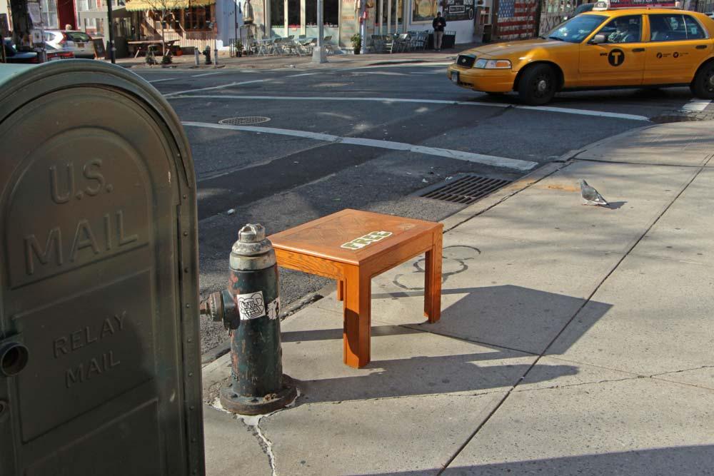 designer-reforma-distribui-moveis-descartados-gratidao-nova-york5