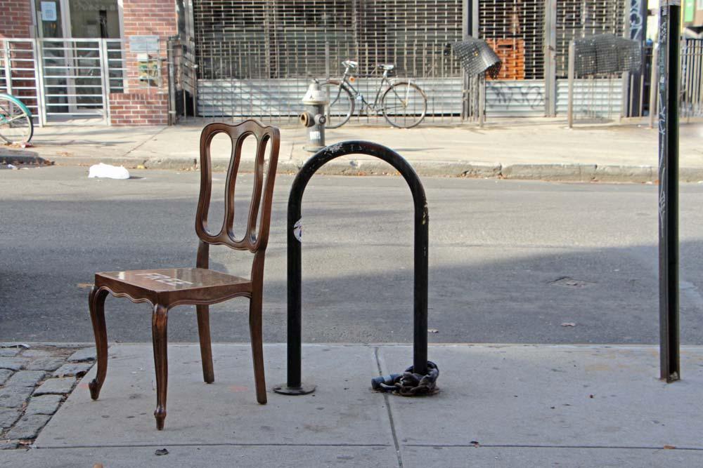 designer-reforma-distribui-moveis-descartados-gratidao-nova-york8