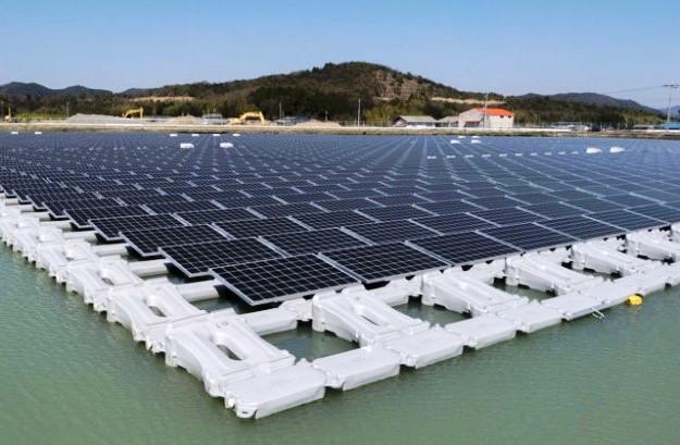 japao-inaugura-duas-megaplataformas-solares-flutuantes-625