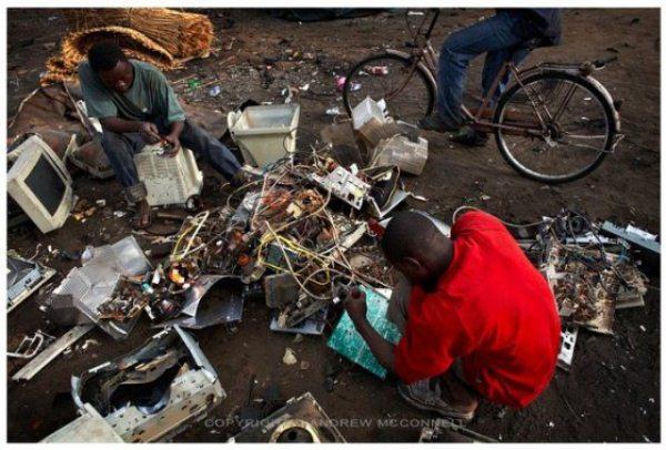 lixo-eletronico-vira-impressora-3d-africano_02_super