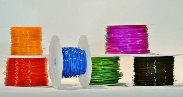 maquina-transforma-plastico-reciclado-filamento-impressa-3D-bobina-625