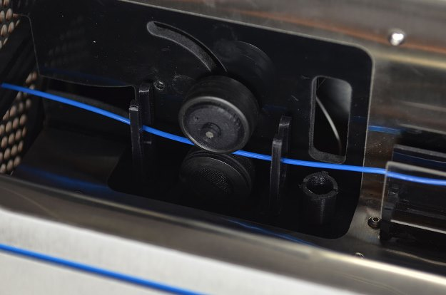 maquina-transforma-plastico-reciclado-filamento-impressa-3D-puller-625