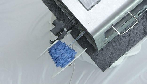 maquina-transforma-plastico-reciclado-filamento-impressa-3D-spool-625