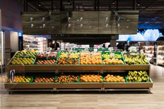 Supermercado com realidade aumentada abre em Milão