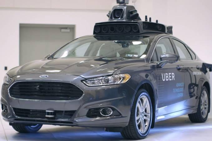 Na primeira semana, Uber robótico avança sinal e invade ciclovias nos EUA