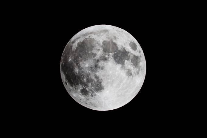 A lua é mais velha do que se imaginava