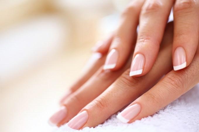 Por que as unhas das mãos crescem mais rápido que as dos pés?