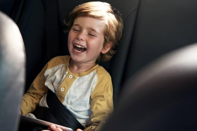Parceiro | App permite que pais vejam filhos ao vivo em corridas de táxis