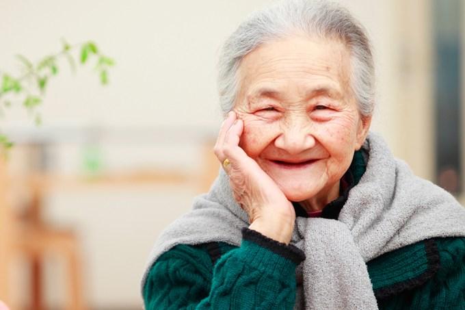 Expectativa de vida vai ultrapassar os 90 anos em 2030, diz estudo