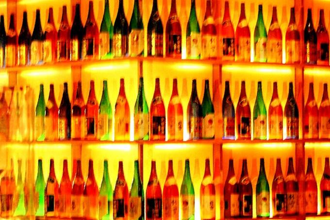 Você sabe o que é verdade e o que é mentira sobre álcool?