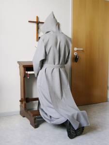 trappist_praying_2007-08-20_dti