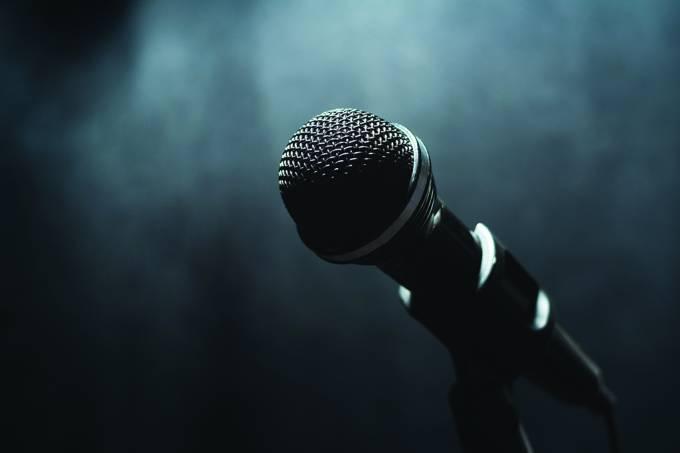 Comediantes realmente morrem mais cedo, diz estudo
