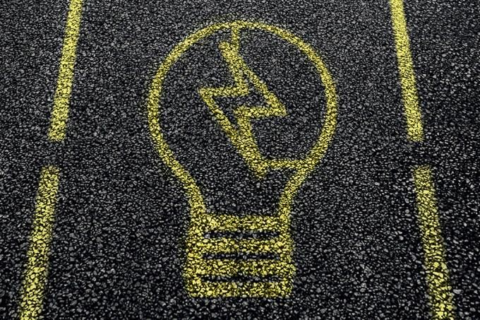 Rodovias vão gerar energia solar
