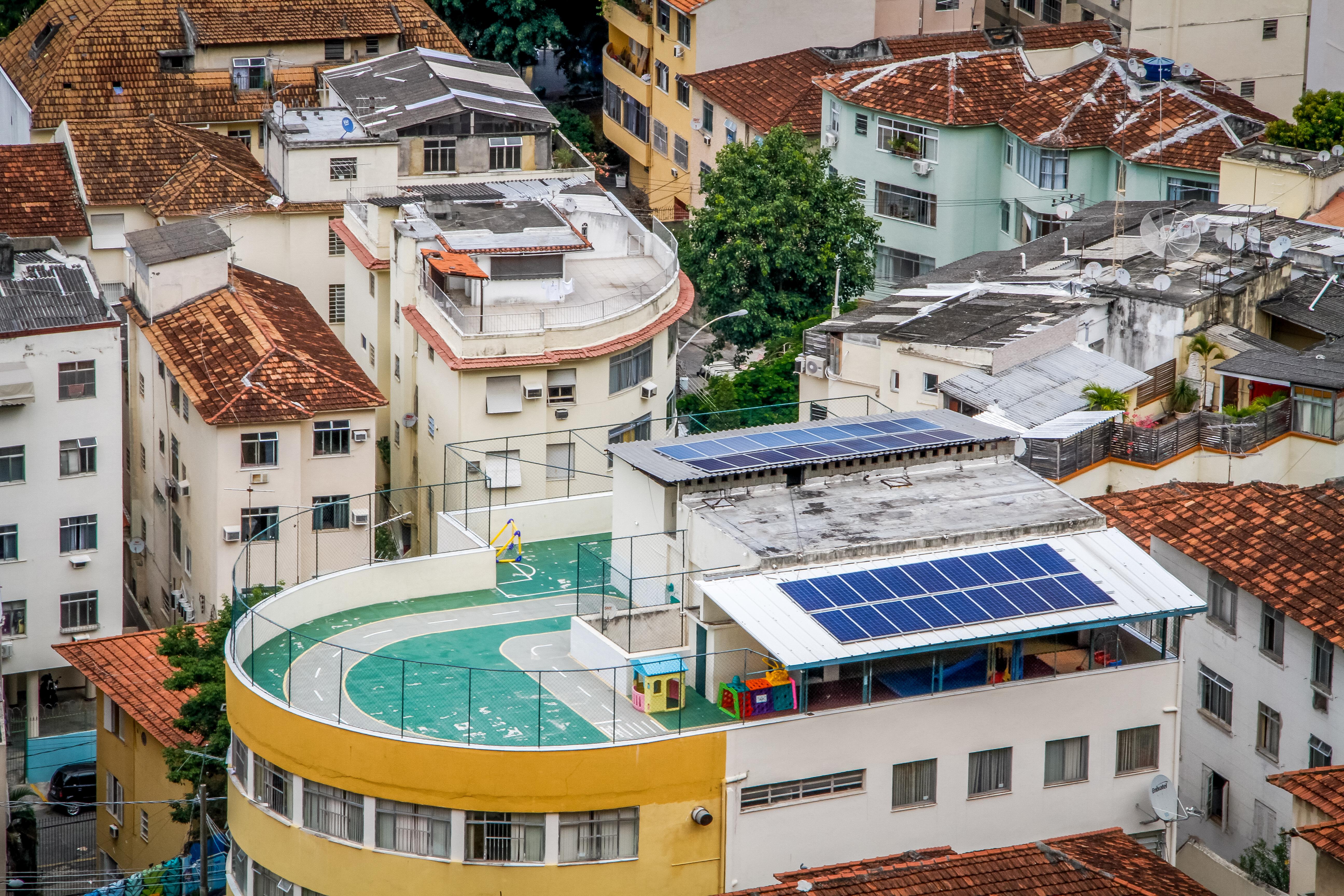 As primeiras placas solares instaladas em uma creche