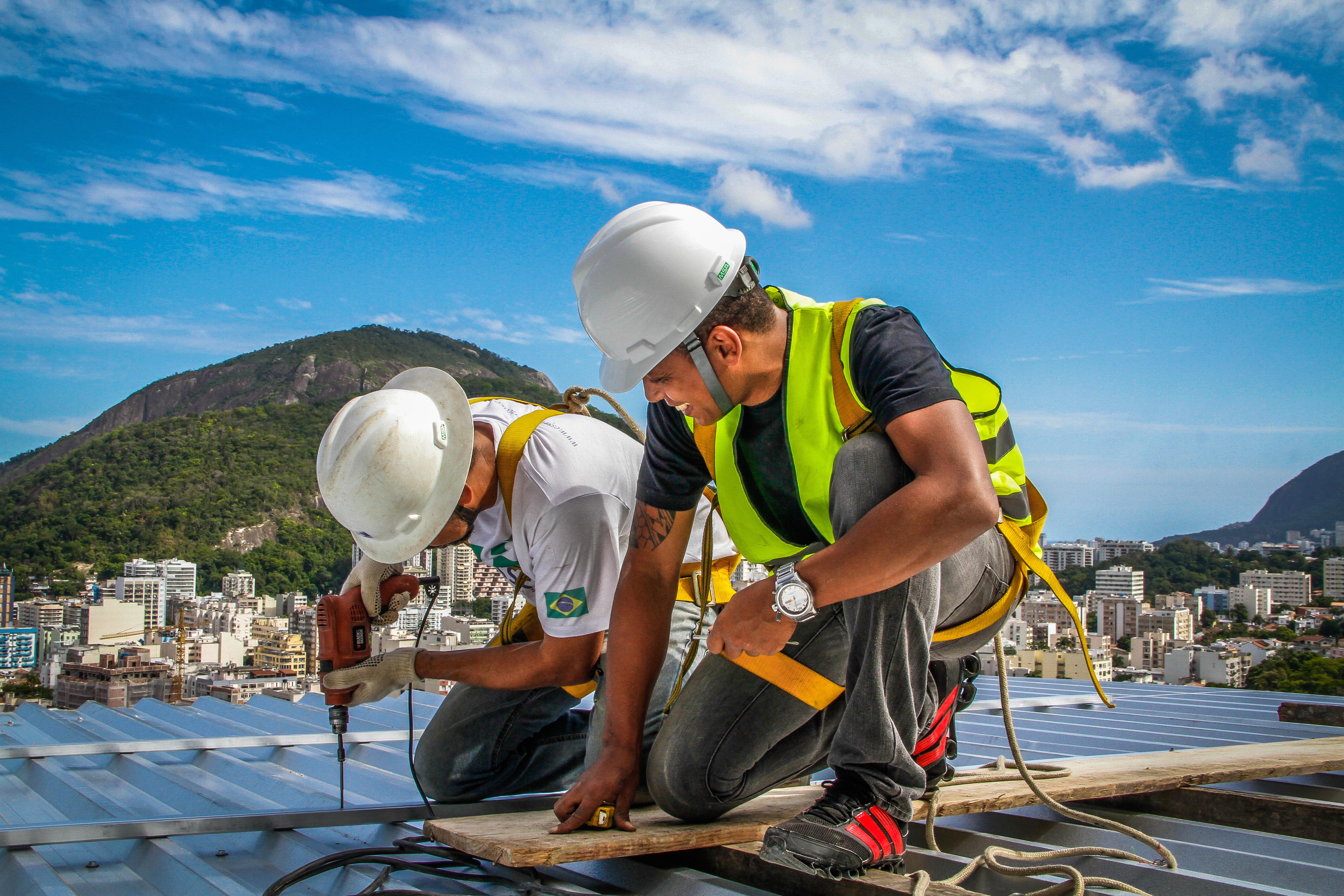Facilidade e rapidez de instalação estão entre as vantagens dos paineis solares