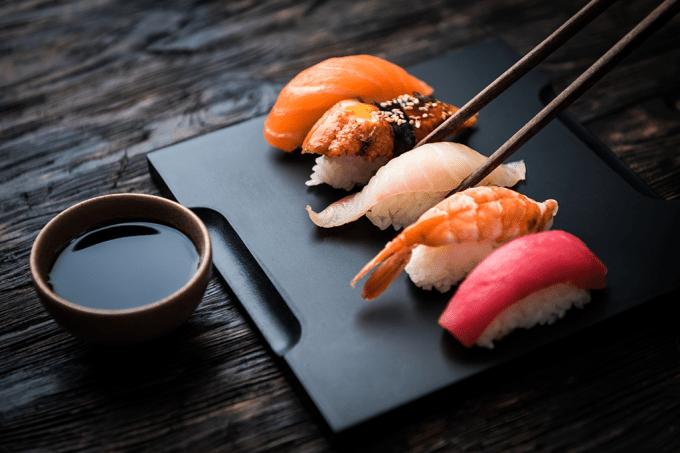 MANUAL | Como comer sushi