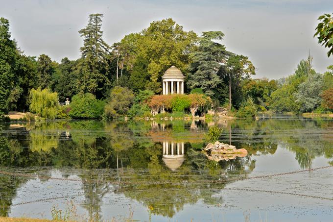 Parque em Paris terá área destinada ao nudismo