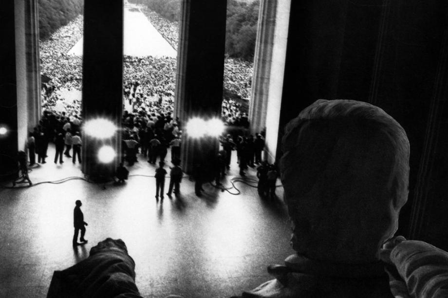 """O famoso discurso """"Eu tenho um sonho"""", de Martin Luther King, em fotografia de outro ângulo."""