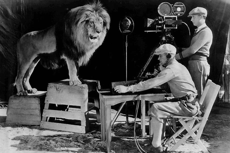 Gravação do rugido do famoso leão da MGM, em 1929.