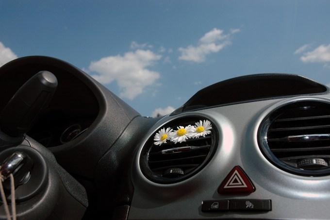 De onde vem o cheiro de carro novo — e porque ele faz mal para algumas pessoas