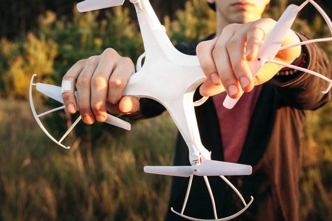 Pilotar um drone bêbado deve virar crime em breve nos EUA
